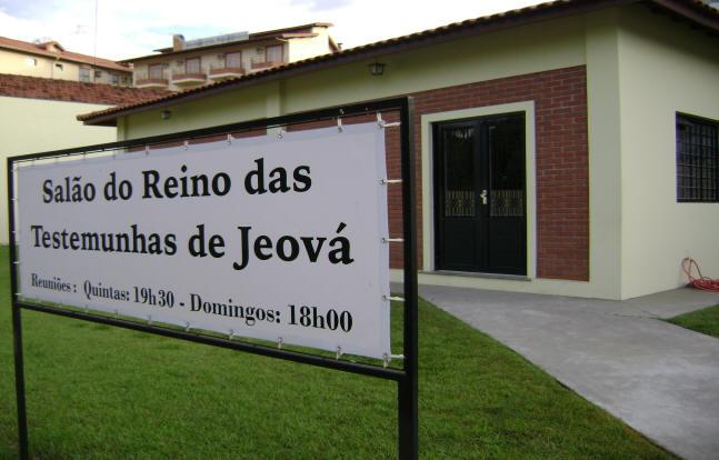 Frente de um salão das Testemunhas de Jeová