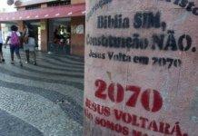 Pichações feitas por evangélicos nas ruas do Rio de Janeiro