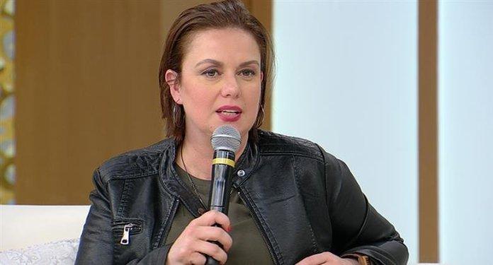 Ex-lésbica Juliana Ferron, autora do livro