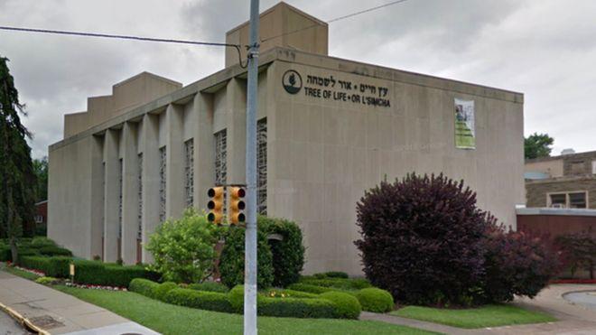 Sinagoga Tree of Life em Pittsburgh, nos EUA, foi alvo de um atirador neste sábado