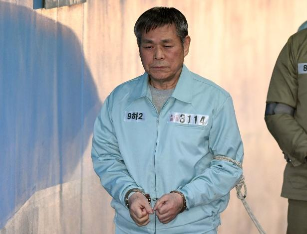 Lee Jaerock, líder de uma seita condenado a 15 anos de prisão por estuprar oito mulheres na Coreia do Sul