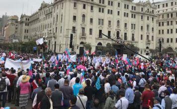 #ConMisHijosNoTeMetas, evento na Praça San Martín e nas ruas próximas, em Peru. Foto: María Ximena Rondón / ACI Prensa