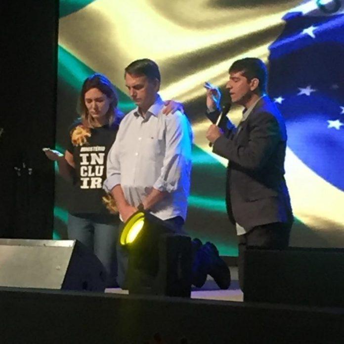 Jair Bolsonaro participa do culto de celebração, na manhã deste domingo (4 de novembro de 2018), na Igreja Batista Atitude na Barra da Tijuca, na Zona Oeste do Rio de Janeiro.