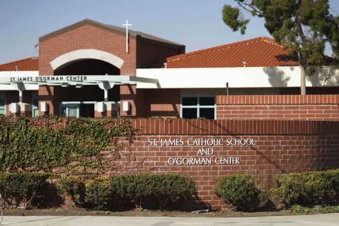 Escola Católica Saint James, em Torrance, na Califórnia