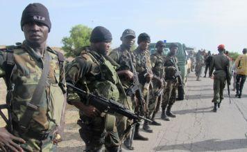 Soldados do Exército de Camarões