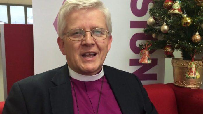 Julian Henderson, bispo de Blackburn, Inglaterra