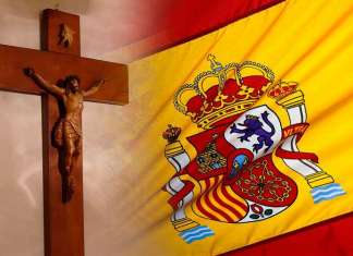 Crucifixo com a bandeira da Espanha (Imagem montada)