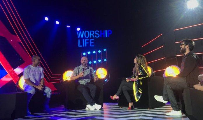 Aline Barros recebeu convidados na estreia de seu programa
