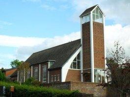 Igreja Presbiteriana de Saintfield Road sofreu dois ataques incendiários. (Foto: Reprodução/Dean Molyneaux)