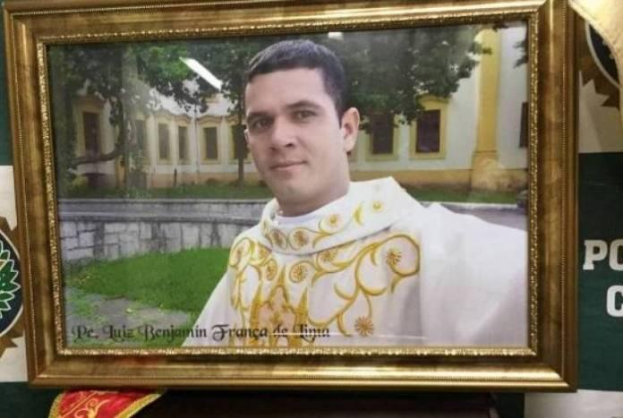 Falso padre é preso em Recife