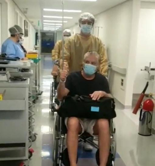 Pastor Carlos Moyses e esposa têm alta de hospital após coronavírus