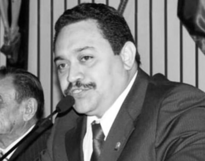 O presidente da Assembleia de Deus em Fortaleza, pastor Neto Nunes, morreu nesta segunda-feira (18) por Covid-19.