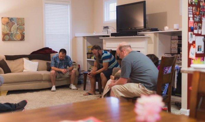 Os pequenos grupos serão o principal formato de uma igreja nos EUA. (Foto: The Summit Church)