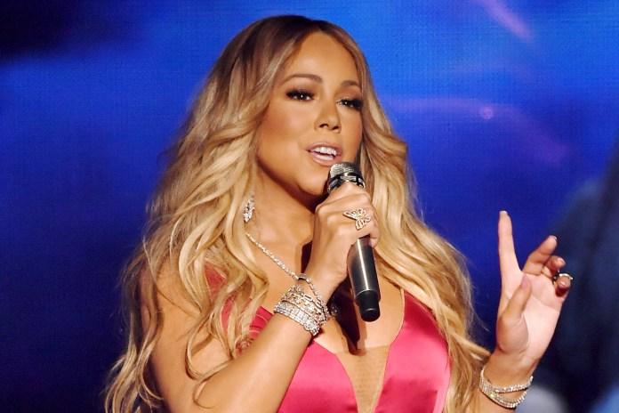 A cantora pop Mariah Carey.