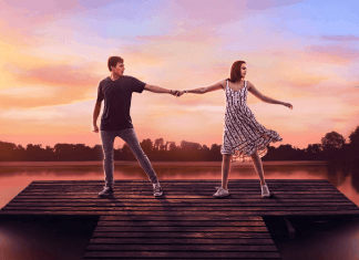O musical é recheado de movimentos de dança no estilo Hight School Music e músicas gospel animadas. (Foto: Netflix/Divulgação).