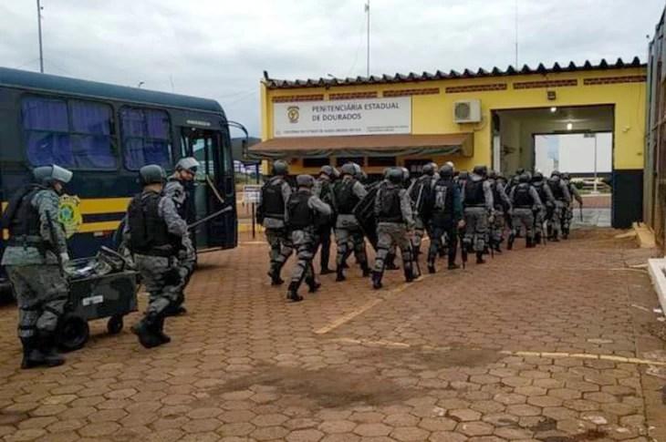 Read more about the article Batalhão de Choque chega a presídio de Dourados para controlar motim