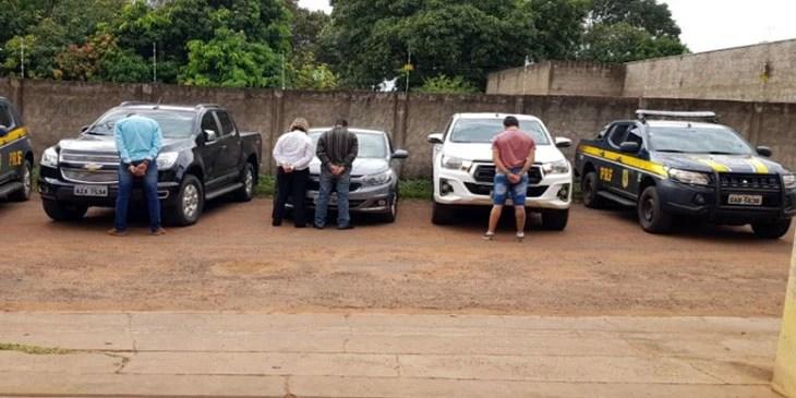 Read more about the article Quadrilha que encaminhava caminhonetes para fronteira com a Bolívia são presos pela PRF na BR-262