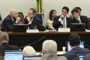 Read more about the article Novo relatório da reforma da Previdência mantém economia de R$ 1 tri