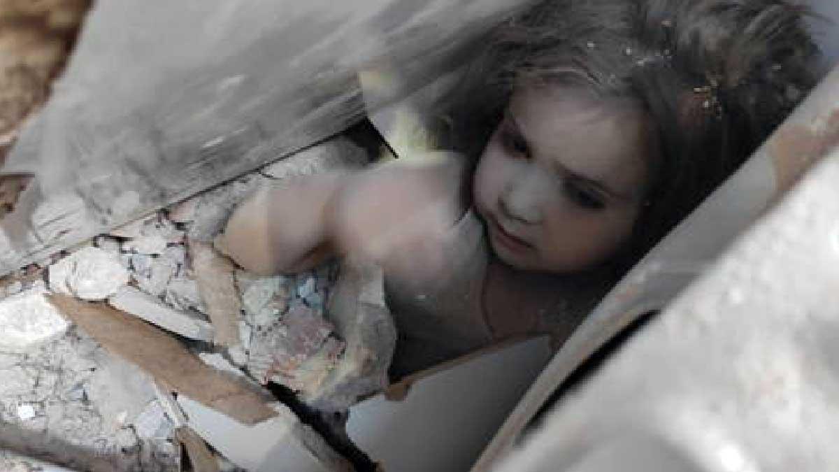 Read more about the article Criança é resgatada com vida quatro dias após terremoto na Turquia