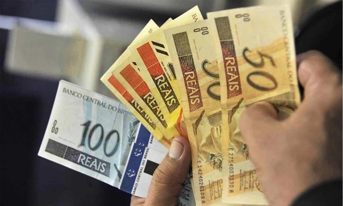 Read more about the article Sem ganho real, governo propõe salário mínimo de R$1.147 em 2022