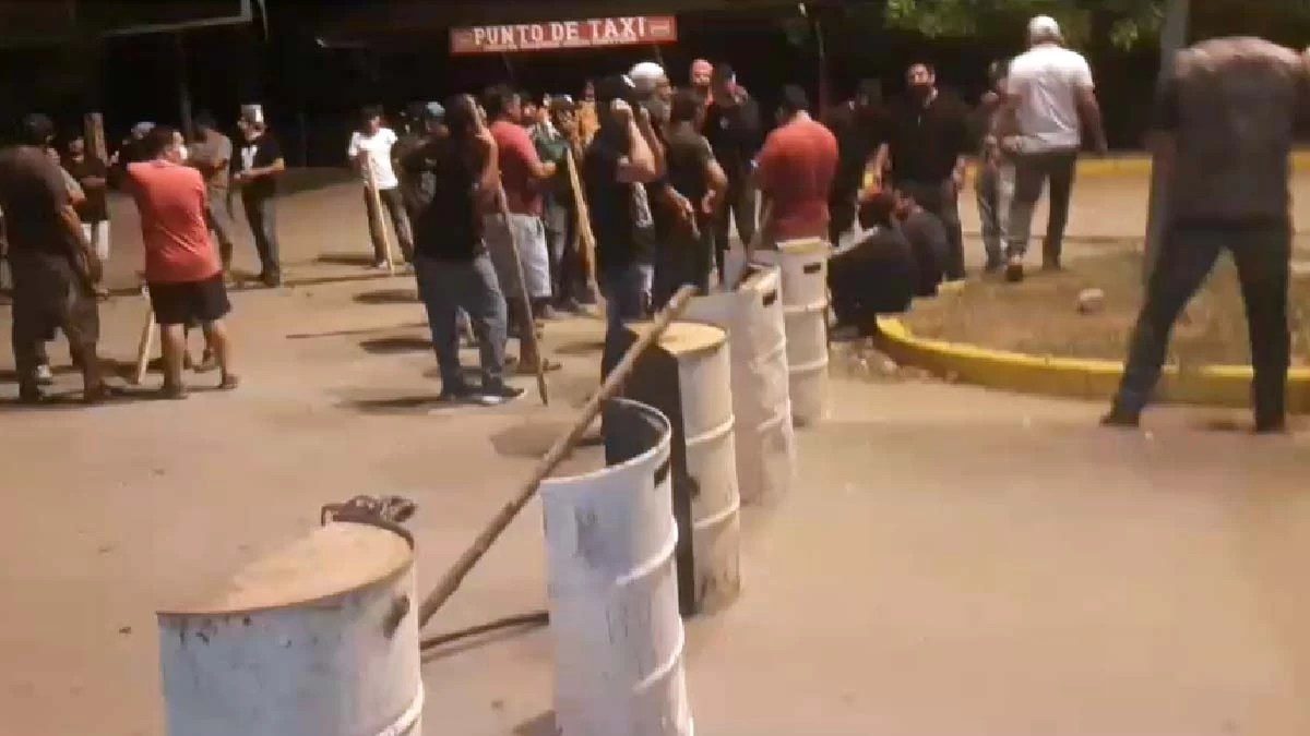 You are currently viewing Manifestantes fecham fronteira entre Brasil e Bolívia por 24 horas