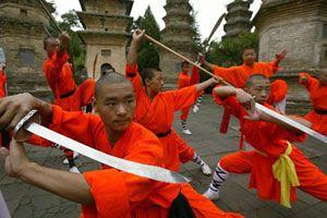 monges e espadas_budismo