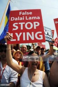contra Dalai Lama