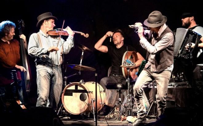 Dodo Street Band