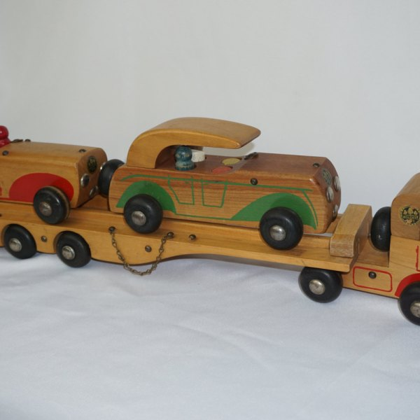 carrier toy. 1940s holgate toys wood car carrier #638 pull toy r