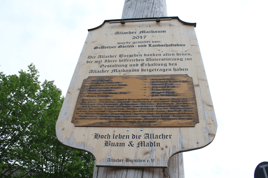 Plaque from the Allacher Maibaum © Steve Toase Source http://photobucket.com/gallery/http://s57.photobucket.com/user/hermannyorks/media/Maibaum/Allacher%20Maibaum.jpg