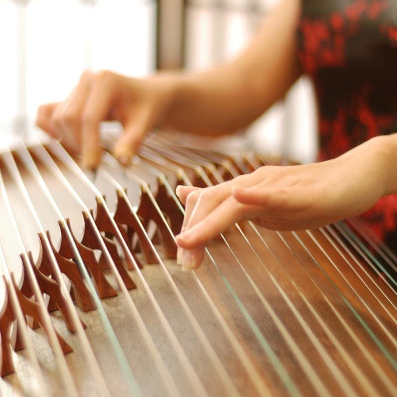 AN ORIENTAL FLAIR – EASTERN HARPS MEET WESTERN STRINGS