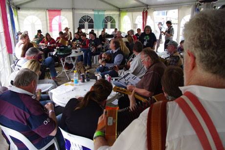 Fleurieu Folk at the Almond Blossom Festival