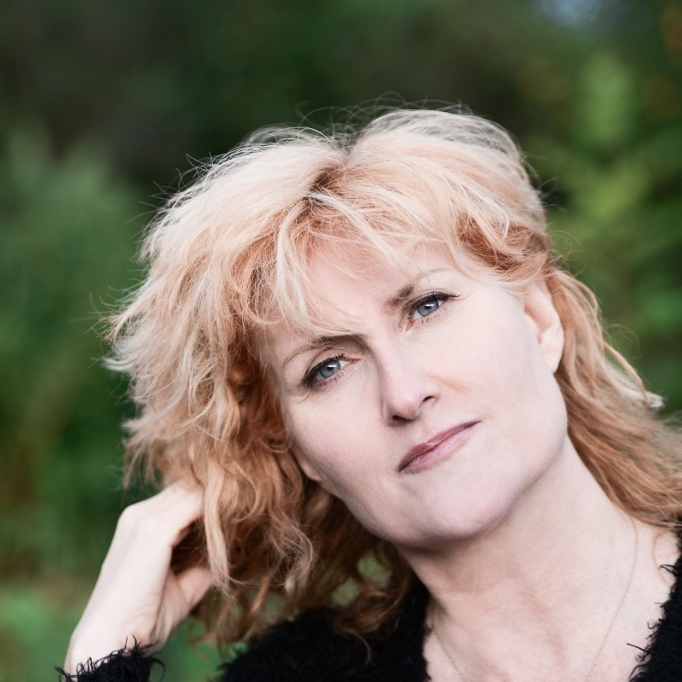 Eddi Reader (Scotland) with Boo Hewerdine