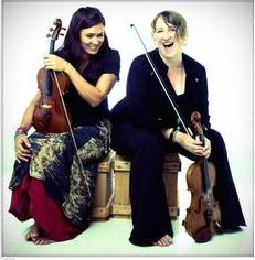 Foyer Fridays  – The Fiddle Chicks