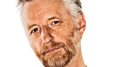 Photo of Billy Bragg Streams New Song 'King Tide and the Sunny Day Flood'