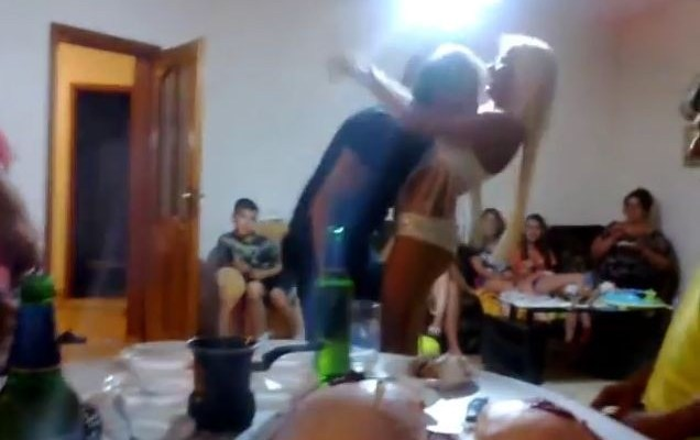 atinin ples za 1200 evra