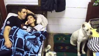 Stanija i Kristijan u krevetu