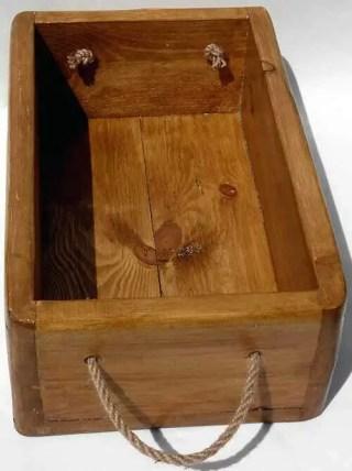 medium oak hand crafted storage box