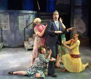 Boni and ladies ensemble (William Roberts)