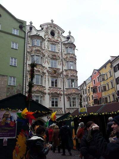 La piazza colorata di Innsbruck