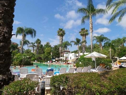 hotel-port-aventura- piscina
