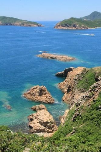 俯瞰湛藍的海岸