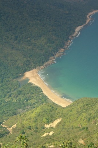 山下的蚺蛇灣