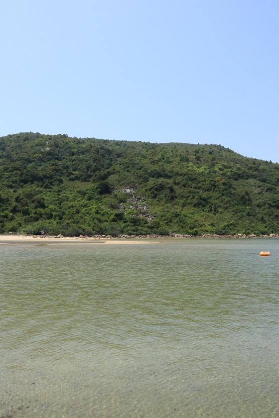 遠眺海下響石河