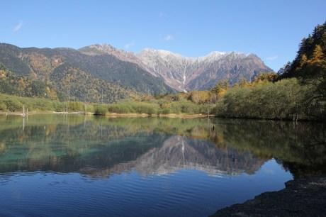 從大正池遠眺穗高峰巒