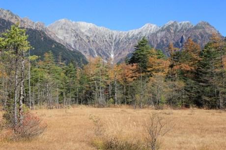 還有小量積雪的穗高岳