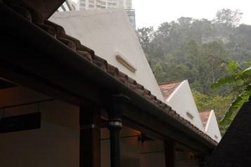 修復時保留了軍火富的三角型屋頂