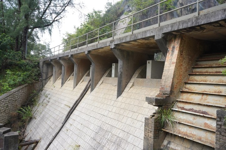 引水道的水壩