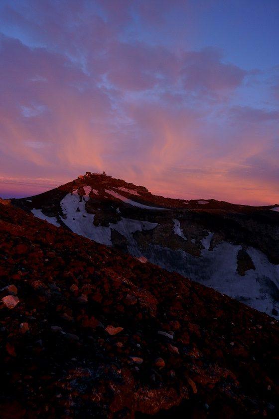 日出時份的劍峰
