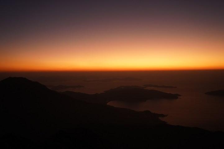 黎明前的曙光